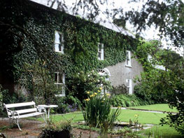 Cullintra House - Experience Country Living