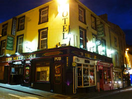 The Metropole Pub, Hostel & Backpackers