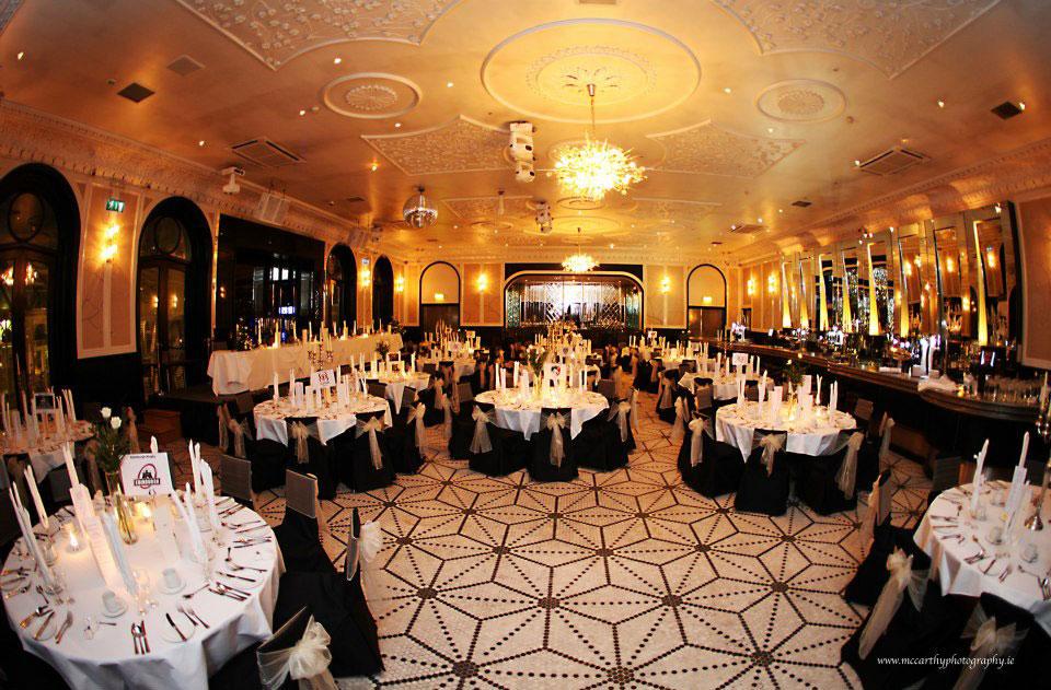 Celebrity suite dining room
